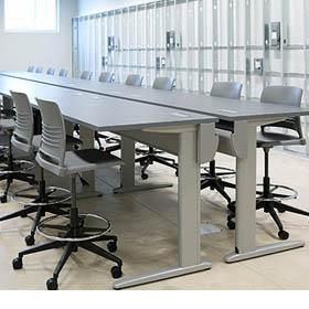 计算机中心家具